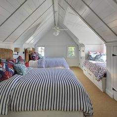 awesome way to design a attic bedroom for all the kids to enjoy loft conversion or small wood cabin house design ideas Bunk Rooms, Attic Bedrooms, Home Bedroom, Bedroom Ideas, Bedroom Beach, Cottage Bedrooms, Shared Bedrooms, Bedroom Small, Bedroom Modern