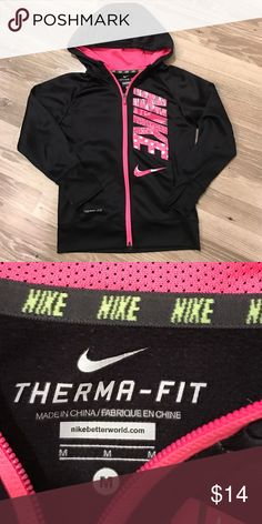 Girls Nike Therma-fit Hoodie Sweatshirt Excellent condition! Size Medium girls. Check out my closet for more items, bundle and save! 3 or more items = 20% off Nike Shirts & Tops Sweatshirts & Hoodies