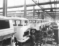 Vw Kombi Van, Vw Bus T1, Volkswagen Transporter, Classic Chevy Trucks, Classic Cars, Kombi Pick Up, Volkswagon Bug, Carros Vw, Combi Vw