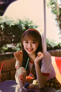 your best source for everything about Blockberry Creative's girl group, LOOΠΔ. J Pop, Extended Play, South Korean Girls, Korean Girl Groups, Teaser, Loona Kim Lip, Chuu Loona, Fandom, Olivia Hye