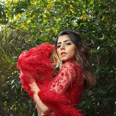 Priyanka Chopra Sabyasachi Lehenga Cost + Similar Budget Lehengas In Red - Frugal2Fab Sabyasachi Wedding Lehenga, Red Wedding Lehenga, Red Lehenga, Indian Lehenga, Bridal Lehenga, Net Saree Blouse, Saree Blouse Designs, Bollywood Saree, Bollywood Fashion