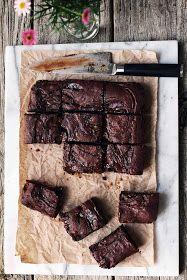 http://milk-and.blogspot.com.au/2014/08/caramel-brownies-with-pretzel-crust.html?m=1