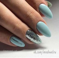 Blaue und silberne Nägel Blue and silver nails Related Post Cassandra, 15 years old a normal high school girl. Pearl & Sparkles Converse for Wedding Shoes 60 Makeups That Men Like. Mint Nails, Gel Nails, Nail Nail, Diy Nails Blue, Blue Glitter Nails, Sparkle Nails, Nail Glue, Coffin Nails, Acrylic Nails