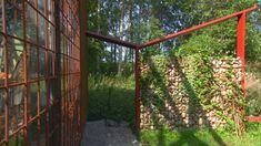 Bygg en pergola i trädgården på gränsen mellan det odlade och det vilda   Bygga och bo   svenska.yle.fi Arch, Outdoor Structures, Garden, Pergola, Autos, Longbow, Garten, Lawn And Garden, Outdoor Pergola