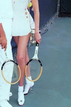 gabbigolightly: Nadja Auermann, Vogue US, 1994 by Ellen Von Unwerth Nadja Auermann, Ellen Von Unwerth, Kiko Mizuhara, Tim Walker, Classy Aesthetic, Aesthetic Vintage, Cindy Crawford, Tennis Fashion, High Fashion