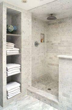 Un cuarto de baño pequeño en nuestro hogar es un problema que nos aqueja diariamente, muchas veces sucede que tenemos que almacenar los utensilios de cuidado personal en otros ambientes lo cual requiere el doble de trabajo y tiempo, por eso es importante saber aprovechar todo el espacio que tengamos a nuestra disposición manteniendo un …