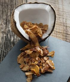 Coconut Bacon from Baconish by Leinana Two Moons-Savory Dishes Dairy-Free Recipes by Chef Fran Costigan Coconut Bacon, Coconut Recipes, Delicious Vegan Recipes, Dairy Free Recipes, Raw Food Recipes, Bacon Recipes, Vegetarian Recipes, Gluten Free, Coconut Flour