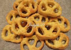 Villámgyors vajas-sajtos perec | Jucus receptje - Cookpad receptek Onion Rings, Cooking, Ethnic Recipes, Food, Kitchen, Essen, Meals, Yemek, Onion Strings