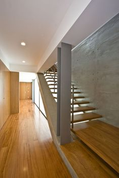 Image 6 of 28 from gallery of A. House / Atelier d'Arquitectura J.A Lopes da Costa. Photograph by Manuel Aguiar Luz Natural, Costa, Interior Architecture, Interior And Exterior, Concrete Slab, International Style, Stairway To Heaven, Stairways, My Dream Home