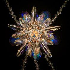 #Krisstalina#брошь#серьги#greenbirdme#кольеручнаяработа#jewelry#jewelrydesign#instajeewelry#jewelrygram#jewelrymaking#handmadmadejewelry#fashionnjewelry#lnstagod#jewelrygram#luxuru#lux#bestjewelry#Swarovski#golgplated#магазинонлайн#кристаллысваровски#бижутериявналичии#купитьбижутерию#russiandesigners#brides#bridalcoutire#weddingfashion#bridalaccessories#collectible#costumejewelry#handmade