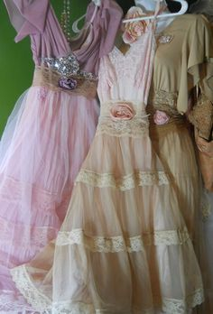 vintage dresses.. love these