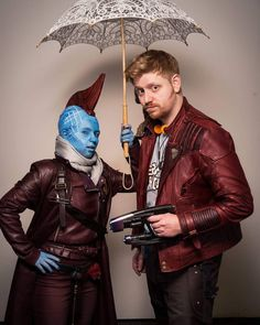 Yondu an me   He looks like Mary Poppins   Yondu: @interuniversecosplay Photo: @kingsmanfotos  @extraordinary_men_of_cosplay  #germancosplayer #gccdortmund #reallifesuperheroes #crafting #guardiansofthegalaxy #starlord #armor #peterquill #marvelcosplay #foamhelmet #evafoam #foam #guardiansofthegalaxycosplay #starlordcosplay #peterquillcosplay #yonducosplay #marypoppins #epiccon #eppiccon2018 #famecon #filmbörseoberhausen #rpc #rls #starlordblaster
