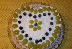 Szőlős mascarpone torta | NOSALTY Cake, Desserts, Food, Mascarpone, Pie Cake, Tailgate Desserts, Pastel, Meal, Dessert