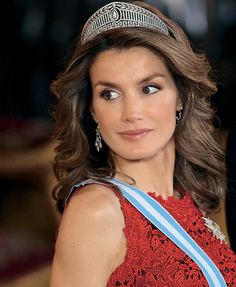 Letizia's story has long been well-known in royal and Spanish circles, but after the news broke that Juan Carlos would be abdicating, it seems like a lot of people got their first taste of her. Description from nadinejolie.com. I searched for this on bing.com/images