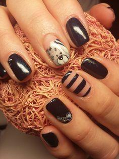 blue and bear nails