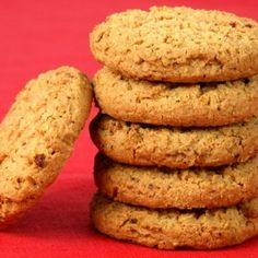 Having digestive biscuits with tea doesnt lead to acidity. Lets check out oatmeal digestive biscuits recipe. Digestive Cookie Recipe, Digestive Cookies, Digestive Biscuits, Oatmeal Biscuits, Oat Biscuits Healthy, Healthy Cookies, Healthy Crackers, Cranberry Cookies, Gourmet