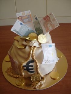 Money bag cake  Cake by verasantos
