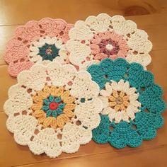 Watch The Video Splendid Crochet a Puff Flower Ideas. Wonderful Crochet a Puff Flower Ideas. Crochet Coaster Pattern, Crochet Mandala Pattern, Crochet Circles, Crochet Flower Patterns, Doily Patterns, Crochet Squares, Crochet Shawl, Crochet Flowers, Crochet Stitches