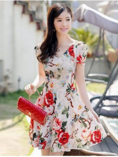 Add a fresh feminine style to your wardrobe and a bit of sensuality in your outfits with this Chinese Style Female V Neck Rose Pattern Puff Sleeve Waisted Fitting Dresses. It is a magic component to achieve an eye-catching day look and a playful elegant e