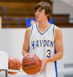 17 Again Movie, Zac Efron 17 Again, Bratt Pit, Zac Efron Pictures, Charlie St Cloud, Zac Efron Movies, Zac Efron And Vanessa, High School Musical 2, Troy Bolton