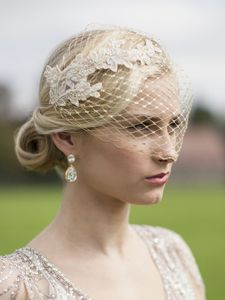 Glamorous in Gold! Joy of London's spectacular top-selling birdcage veil features luxurious Champagne Gold lace appliques on breathtaking metallic gold french netting. This gilded vintage bridal bandeau is meticulously handmade in Beverly Hills wi. Wedding Hair And Makeup, Wedding Hair Accessories, Bridal Earrings, Bridal Jewelry, Drop Earrings, Gold Lace, Metallic Gold, Lace Veils, Wedding Veils