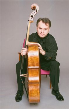The Swedish Cellist, Torleif Thedéen, gained international recognition in 1985 by winning three of the worlds most prestigious cello competitions: the Hammer-Rostropowitsch, the Pablo-Casals and the European Broadcasting Union's International Tribune.