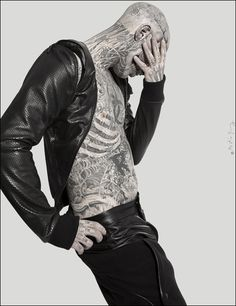 Rick Genest - the most fabulous and macabre male model about. The only one who's name I care to remember and this despite the fact I'm not that crazy about tattoos, but as with all things - an exception ;)