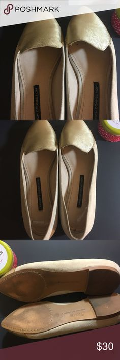 French Connection Gold and Cream Flats Size 9.5 Beautiful French Connection Flats Size 9.5. Just like everything else from French Connection, you can feel the quality. Perfect addition to a spring wardrobe. French Connection Shoes Flats & Loafers