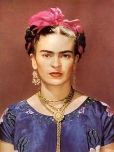 autoportrait de frida kahlo avec ses bijoux