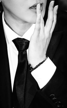 Discover the coolest Baekhyun #Exo #Exo-k #Baekhyun's beautiful hands #Best hands #Best boy hands Baek #Boy #Korea #korean boy #Handsome #K-pop #black and white
