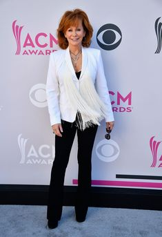 Academy of Country Music Awards Red Carpet - ACM Awards 2017 Country Music Awards, Country Music Singers, Country Artists, Lauren Alaina, Country Girl Problems, Country Girl Quotes, Girl Sayings, Reba Mcentire, Lady Antebellum