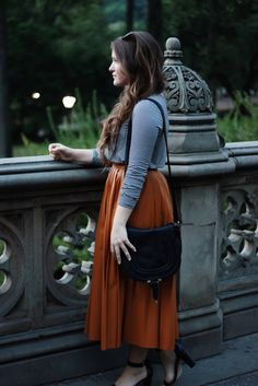 20 modest and attractive outfits. Cute Modest Outfits, Long Skirt Outfits, Modest Dresses, Casual Outfits, Modest Clothing, Fall Dresses, Cute Fashion, Modest Fashion, Skirt Fashion