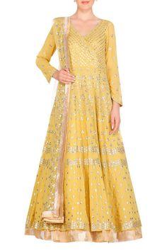 709b2cecb9 Buy Embroidered anarkali kurta set by Devnaagri at Aza Fashions
