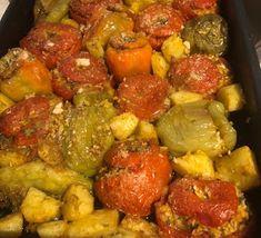 ΜΑΓΕΙΡΙΚΗ ΚΑΙ ΣΥΝΤΑΓΕΣ 2: Γεμιστά από τα ωραιότερα !!! Greek Recipes, Vegan Recipes, Cooking Recipes, Arabic Food, Food And Drink, Vegetables, Cakes, Kitchens, Arabian Food