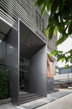 Ideas Main Entrance Door Design Modern For 2019 Main Entrance Door Design, Office Entrance, Modern Entrance, Entrance Gates, Gate Design, Facade Design, Architecture Office, Architecture Design, Office Buildings