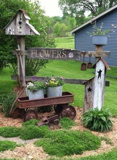 50 Rustic Backyard Garden Decorations 22 - All For Garden Garden Yard Ideas, Rustic Gardens, Rustic Garden Decor, Backyard Garden, Backyard Landscaping Designs, Rustic Backyard, Outdoor Gardens, Country Garden Decor, Backyard