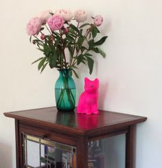 DIY give an old fashioned porcelain cat a new neon life!