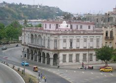 Museo de la Musica Habana - On the site where originally a family house stood, the National Museum of Music Havana was constructed in 1906 in eclectic style and it has an arcade with Corinthian columns built in levels .Its lateral facades in Renascence style are made with stone and tiles.