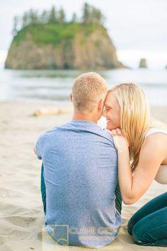 Washington Engagement Photography | Clane Gessel Photography #WashingtonCoast #Engagement #Photography #Pose