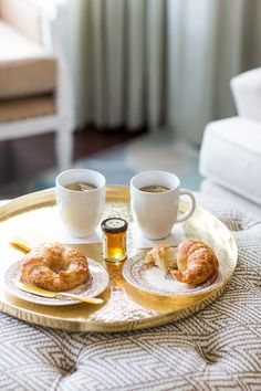Tea with a perfect croissant... sigh... oh yes!