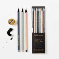 Discover the latest cute stationery and gifts at Fox and Star. Shop stylish planners, journals, notebooks and pens and get creative with our washi tapes. School Stationery, Stationery Design, Stationery Shop, Stationary Supplies, Art Supplies, Cool School Supplies, Office Supplies, School Suplies, School Accessories