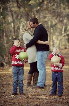 beautiful and adorable family Christmas card idea