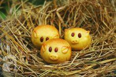 Mẹ khéo tay làm bánh Trung thu hình con vật ngộ nghĩnh tặng bé - http://congthucmonngon.com/199987/kheo-tay-lam-banh-trung-thu-hinh-con-vat-ngo-nghinh-tang.html