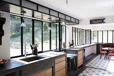 Conservatory Kitchen, Concrete Sink, Industrial House, Modern Interior, Contemporary Style, Kitchen Design, Sweet Home, New Homes, Kitchen Stuff