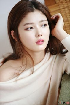 Gu th?i trang c?n Kim Yoo Jung Kim Yoo Jung Fashion, Korean Beauty, Asian Beauty, Kim You Jung, Bts Kim, Kim Sohyun, Soyeon, Korean Model, Beautiful Asian Women