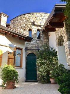 Gorgeous Villa for sale Italy Lombardy Brianza Verderio CASAESTYLE www.casaestyle.it #villa #luxuryrealestate #realestate #beautiful #style #fashion #casaestyle #design #home #house #architecture #realestate #homedesign #interiordesign