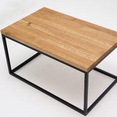 Geometryczna forma stolika kawowego MELK doskonale odnajdzie się jako ozdoba wnętrz nowoczesnych. Minimalistyczna struktura opiera się na konstrukcji złożonej z eleganckiego blatu z drewna dębowego i solidnej, metalowej podstawy. MELK to przykład udanego połączenia funkcjonalności z nowoczesnym designem. Table, Furniture, Home Decor, Decoration Home, Room Decor, Tables, Home Furnishings, Desks, Arredamento