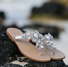 embellished silver thing Silver Sandals, Leather Sandals, Mystique Sandals, Types Of Women, Palm Beach Sandals, Pairs, Jewels, My Style, Handmade