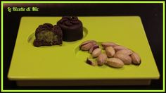 cioccolatini al pistacchio Biscotti, Steak, Cake, Desserts, Cocktail, Food, Drink, Halloween, Cream