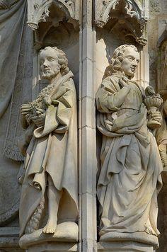 Portail : Saint Jean Baptiste et Saint Jean l'Evangéliste.Eglise Saint-Pierre.Mailly-Maillet (Somme) - Picardie